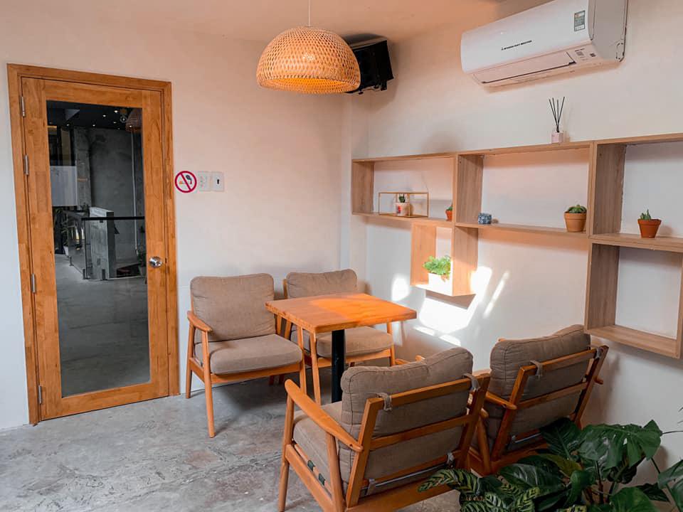 Không gian tầng trên quán cafe