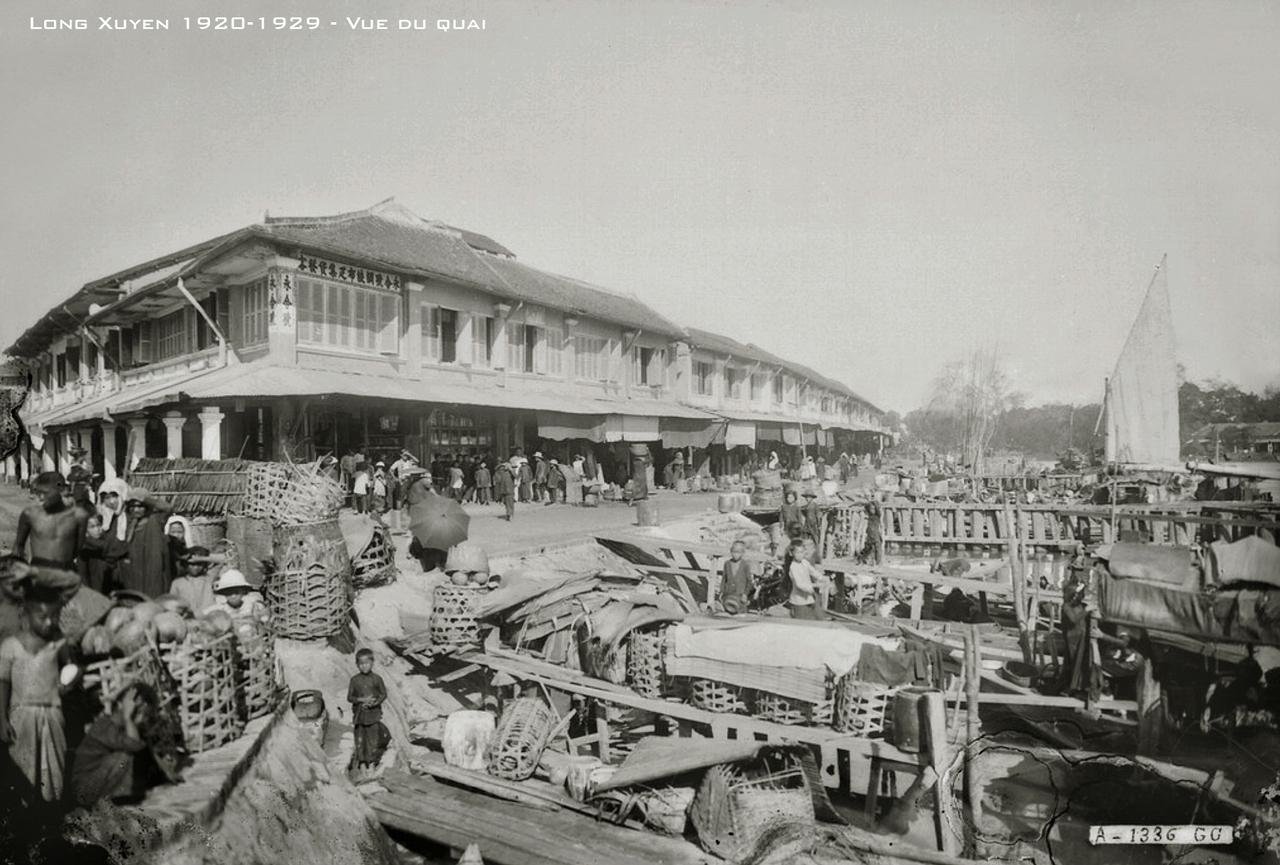 Bến thuyền chợ Long Xuyên thập niên 1920s