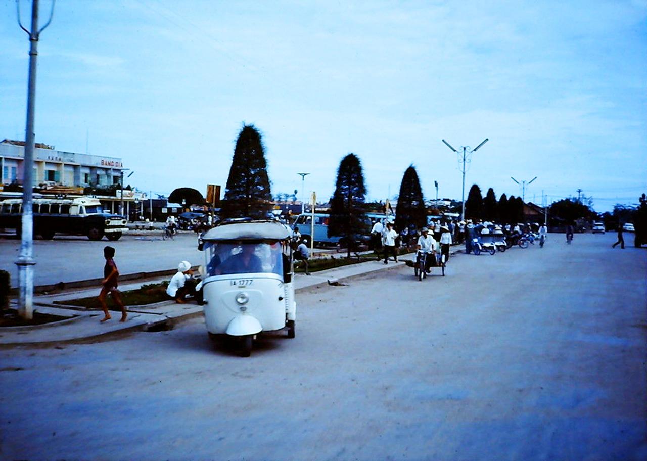 Bến xe Chợ Mới Cần Thơ năm 1965
