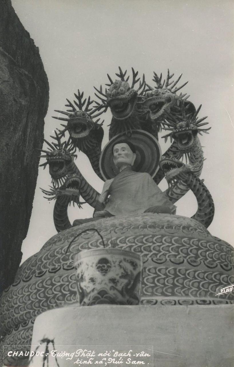 Tượng Phật tại Bạch Vân tịnh xá núi Sam, Châu Đốc xưa