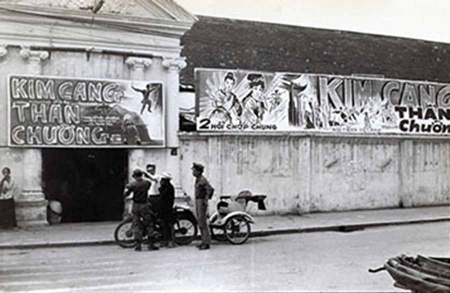 Rạp phim Casino cạnh góc Phan Bội Châu - Phan Đình Phùng năm 1965 - 1966