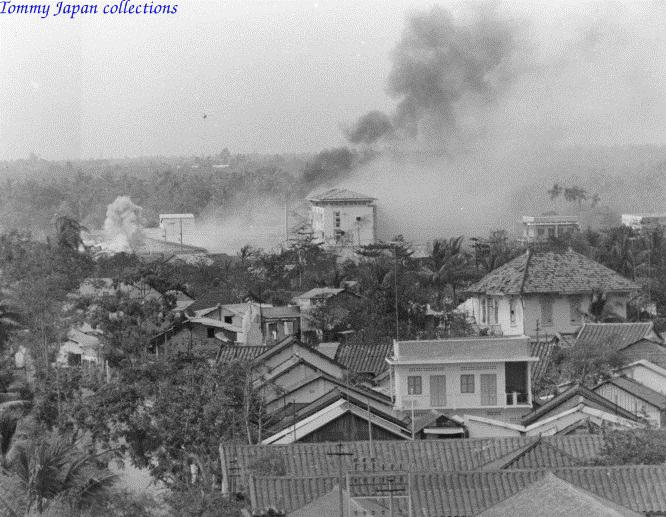Khói bụi bao phủ khi Cần Thơ bị oanh tạc không kích trong cuộc tấn công Tết Mậu Thân năm 1968