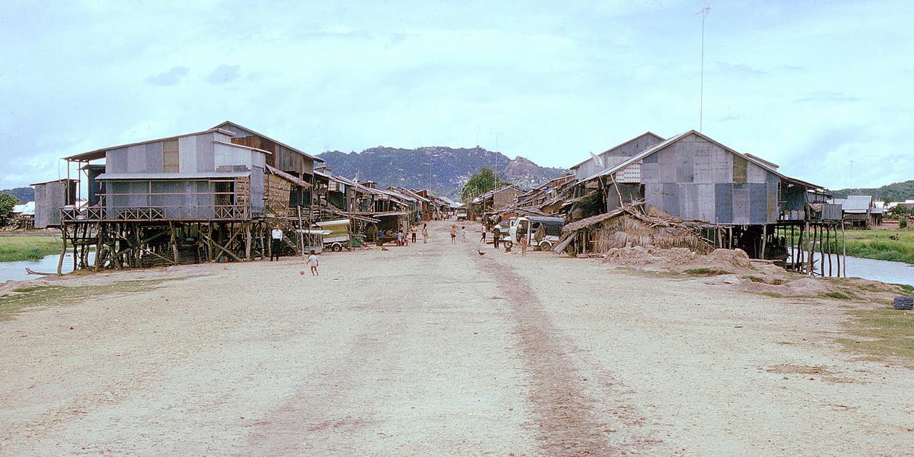 Ngôi làng cạnh biên giới Campuchia ở Tịnh Biên, Châu Đốc năm 1973
