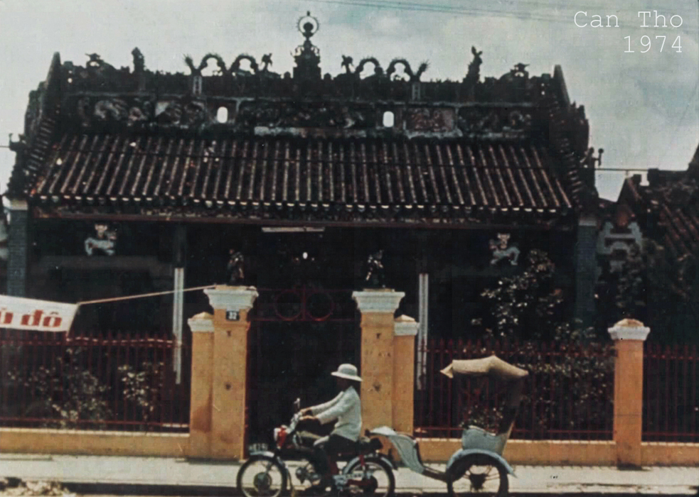 Chùa Ông ở bến Ninh Kiều năm 1974