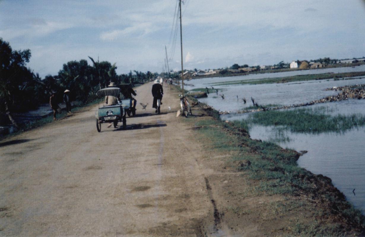 Con đường quê ven sông Cần Thơ xưa
