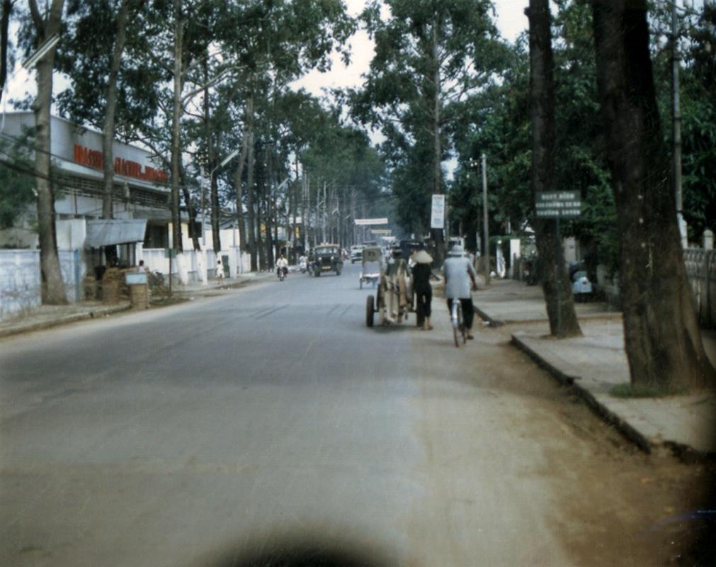 Đường Nguyễn Trãi đốc cầu Cái Khế đi xuống