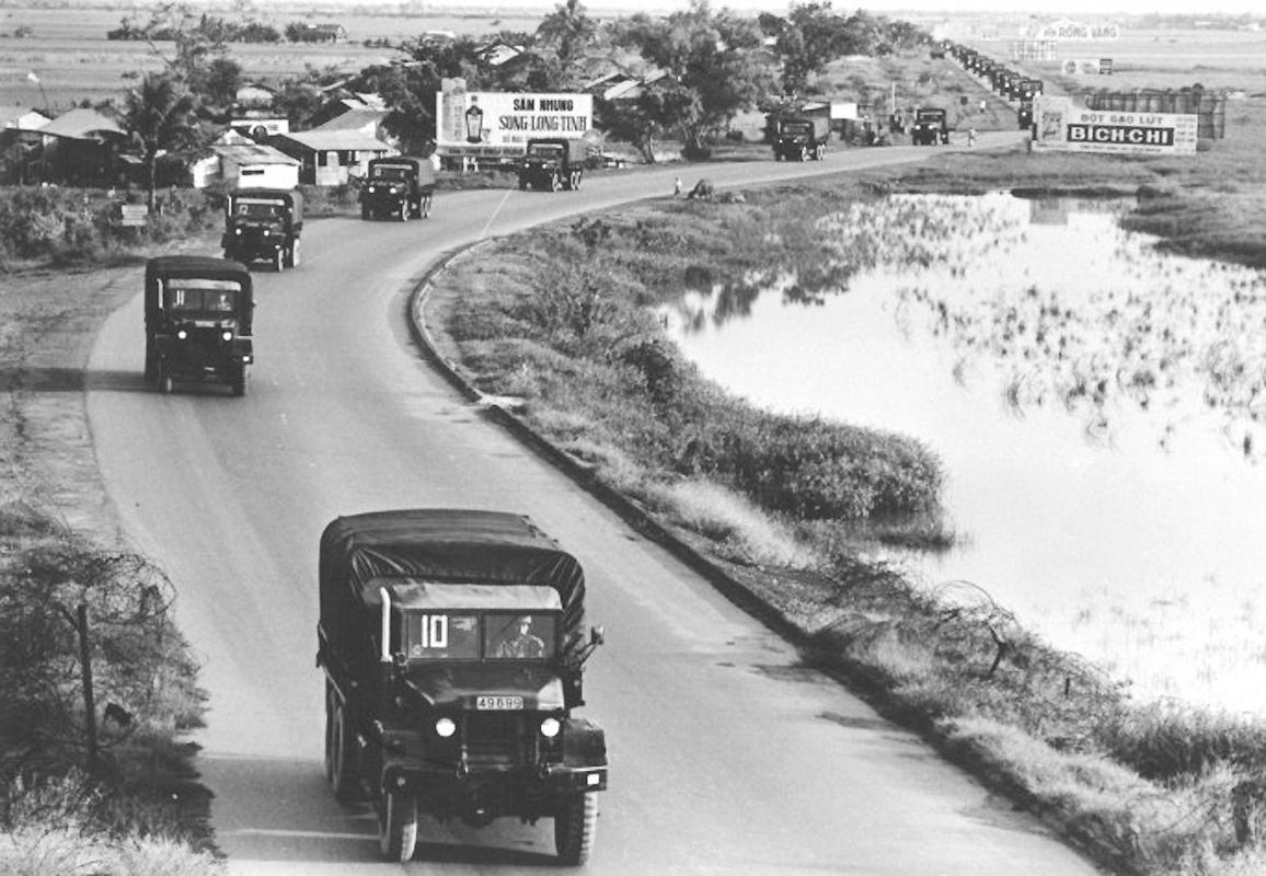 Đường này trước năm 1975 có tên là đường Mặc Tử Sanh | Nay là đường 30 tháng 4 nối liền từ đường Tham Tướng đến cầu Đầu Sấu