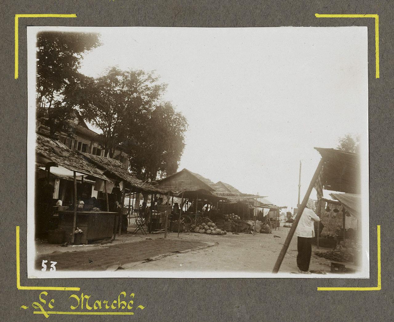 Giao hàng ở 1 khu chợ tại Châu Đốc xưa