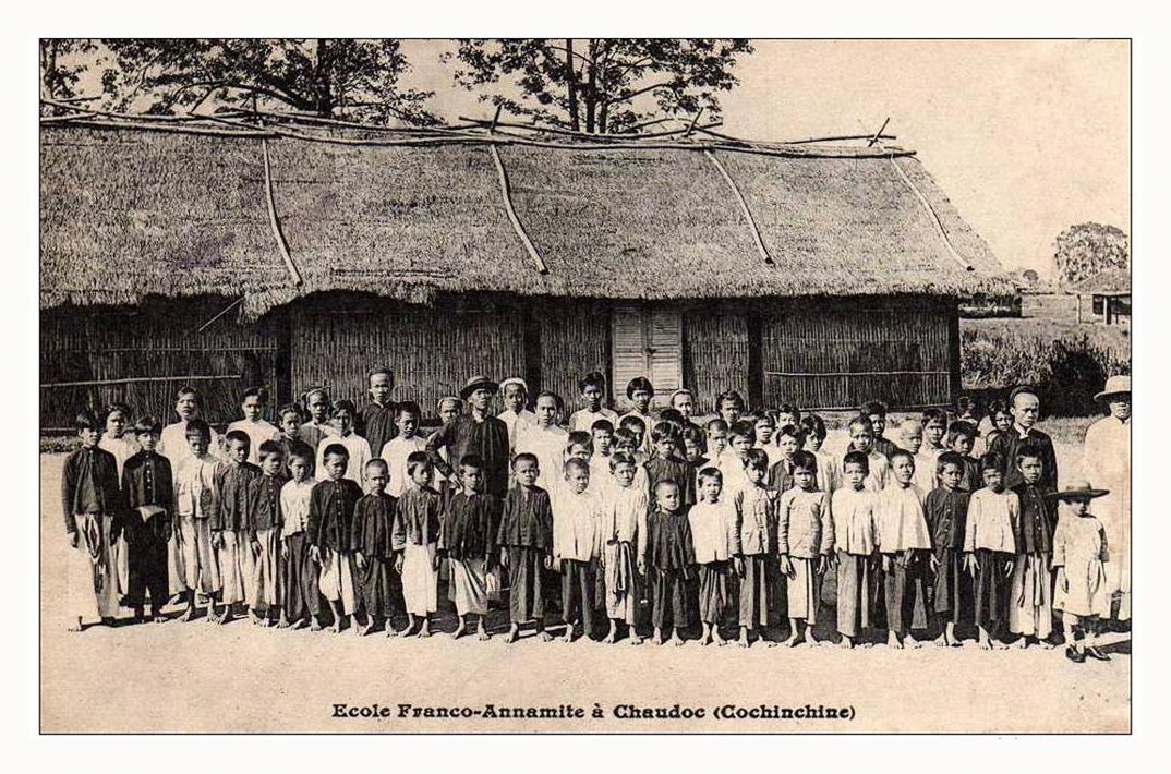 Học trò xưa ở trường Pháp Việt tại Châu Đốc