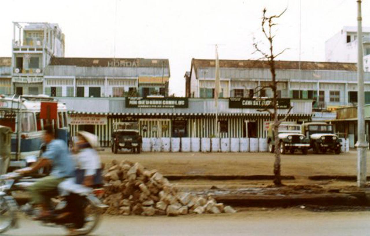 Khu hành chính và cảnh sát ở Cần Thơ năm 1972 - 1973 | Photo by Stayner