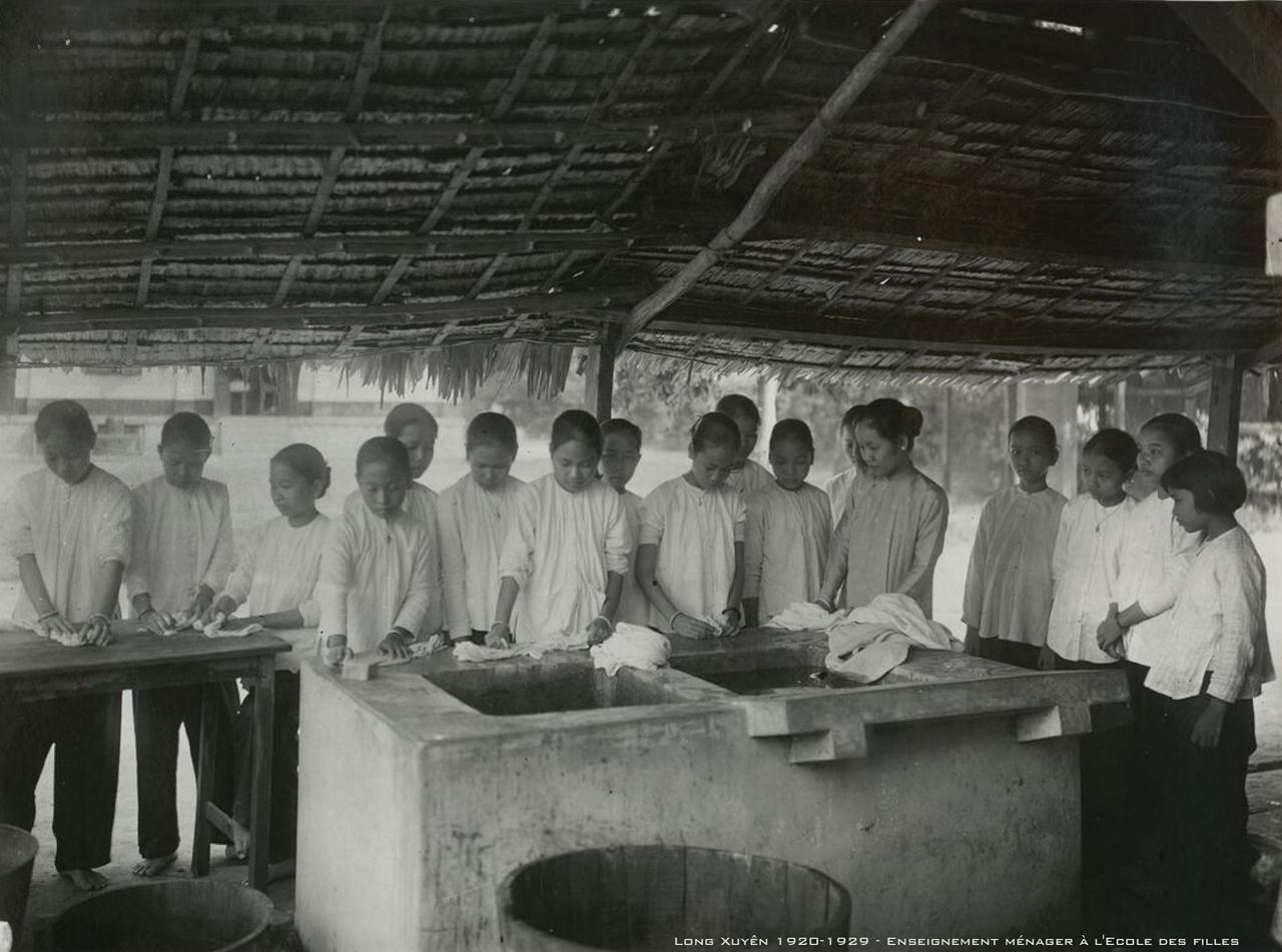 Giáo dục tại nhà ở trường nữ sinh Long Xuyên thập niên 1920s
