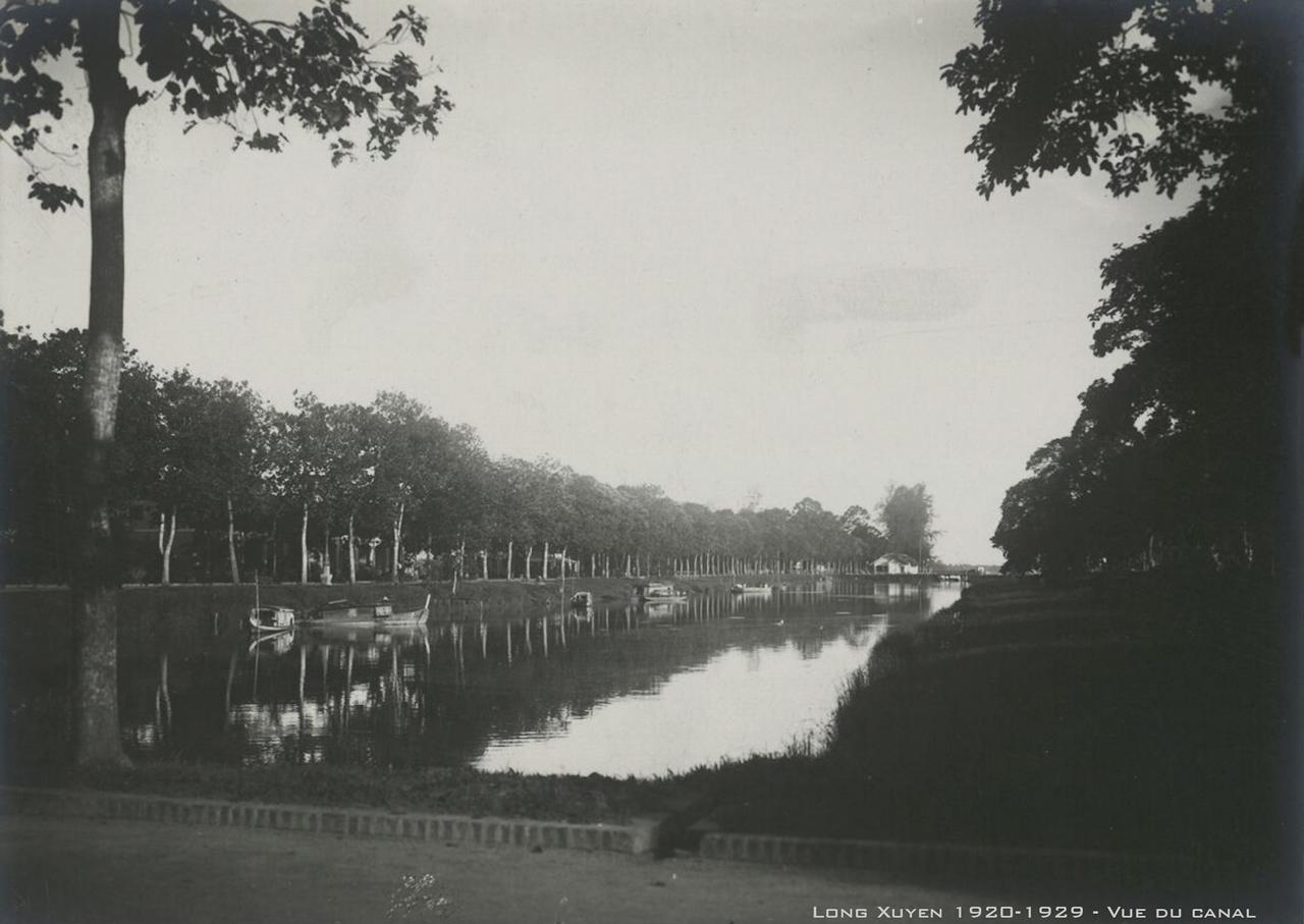 Hồ Nguyễn Du - Phía xa là sông Hậu ở Long Xuyên thập niên 1920s