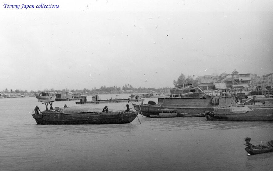 Hình ảnh khu bến tàu ở sông Mekong | Photo by Jon Dorrough năm 1967 - 1968