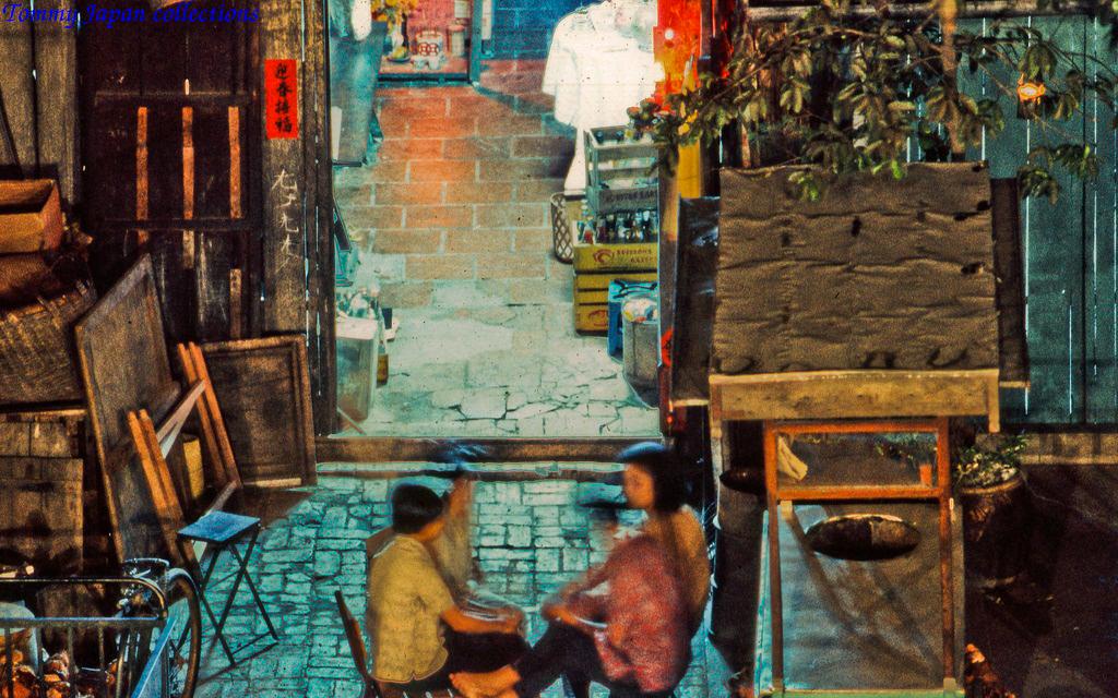 Một cửa hàng về đêm ở chợ Mỹ Tho