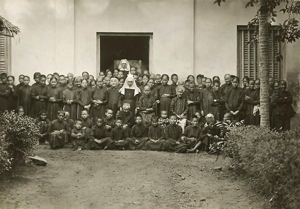 Người già và tàn tật ở nhà Tế Bần Cù Lao Giêng