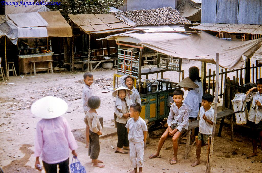 Những đứa trẻ vùng ngoại ô Mỹ Tho (Trên đường đến Đồng Tâm)