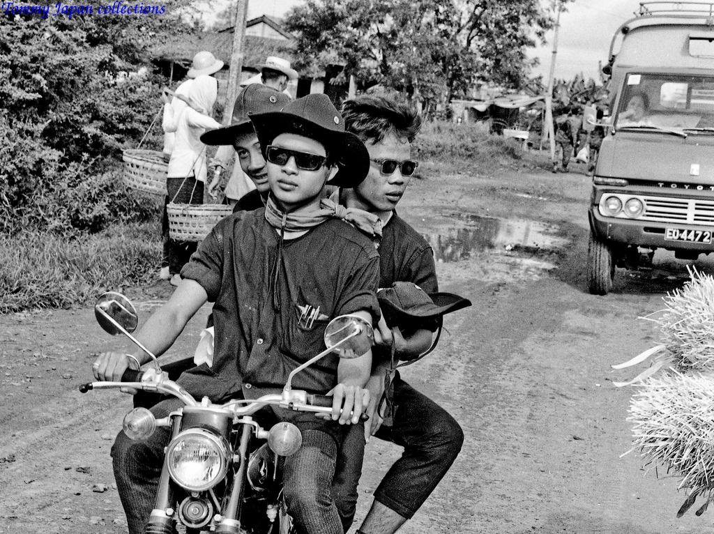 Phong cách thời thượng cao bồi của giới trẻ Việt Nam bấy giờ