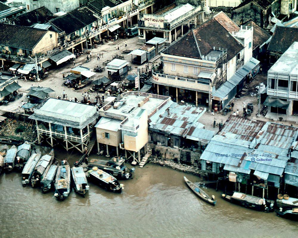 Chợ Thoại Sơn năm 1966 - 1972   Photo by John Brody