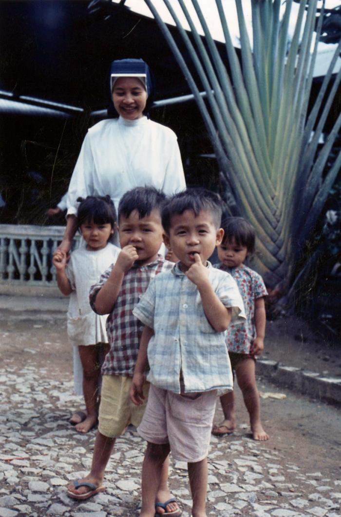 Trại trẻ mồ côi ở Cần Thơ