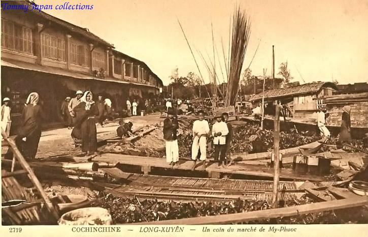Chợ ở bến tàu cầu Duy Tân - Long Xuyên xưa