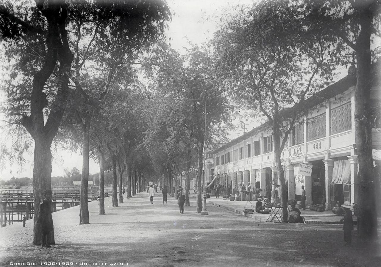 Đại lộ nhà phố ở Châu Đốc thập niên 1920s
