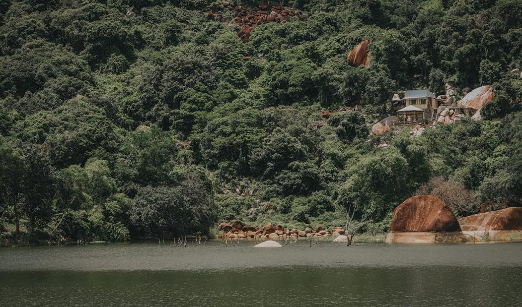 Khung cảnh bên trong Hồ Soài So Tri Tôn An Giang