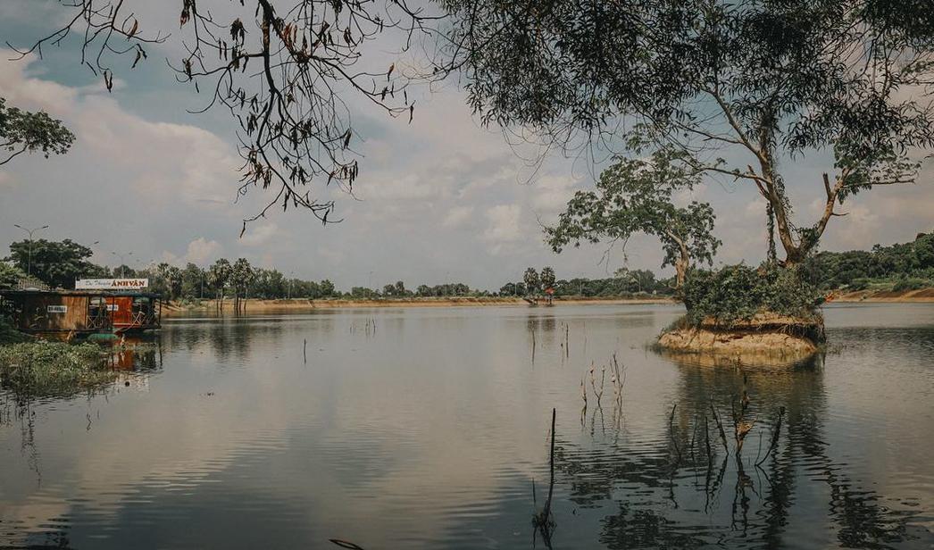 Khung cảnh ở hồ Soài So