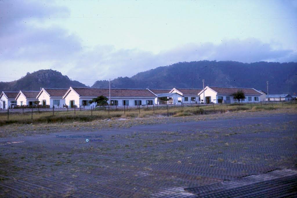 Khuôn viên trại Chi Lăng năm 1966-1967   Photo by Don Griffin