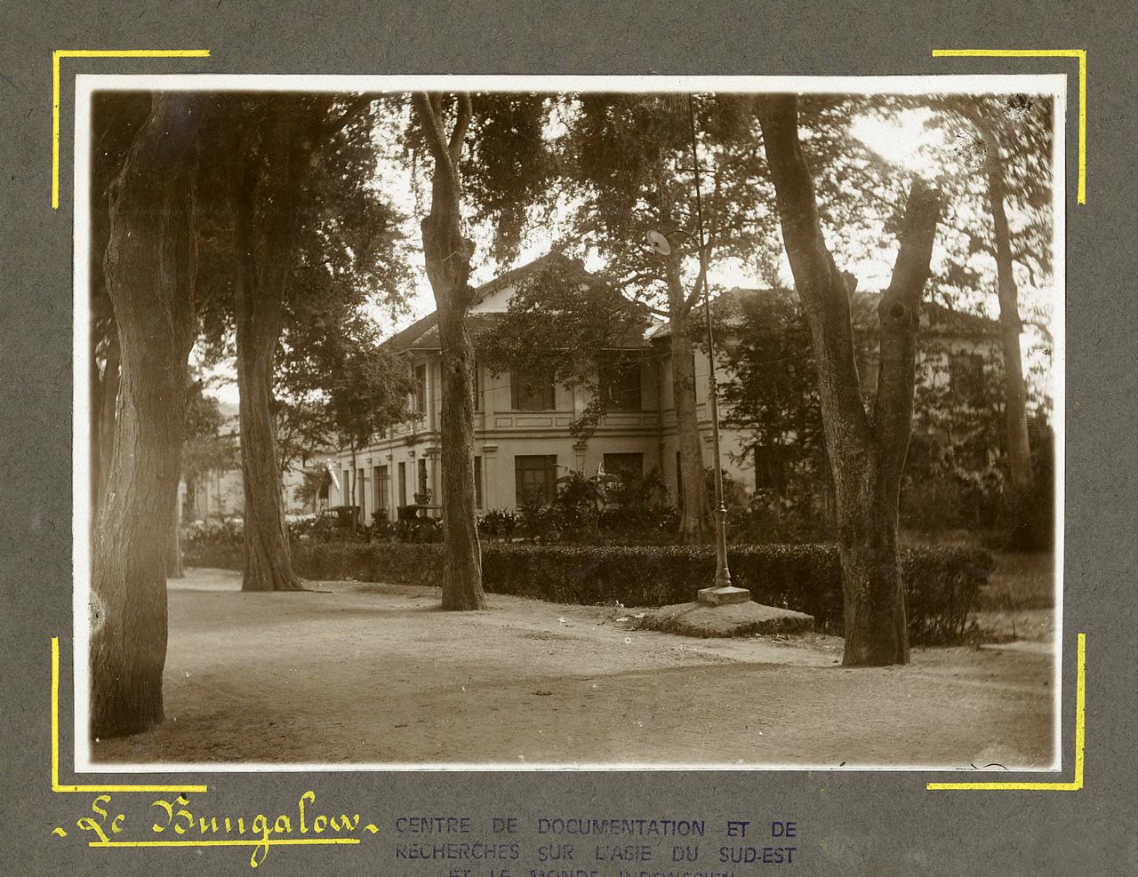 Khuôn viên Bungalow ở Châu Đốc xưa