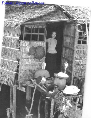 Người phụ nữ sống trong 1 túp lều ven sông Cần Thơ năm 1965