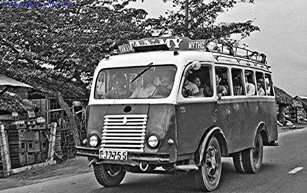 Xe đò Renault Goelette của Pháp chạy tuyến Tân An Mỹ Tho