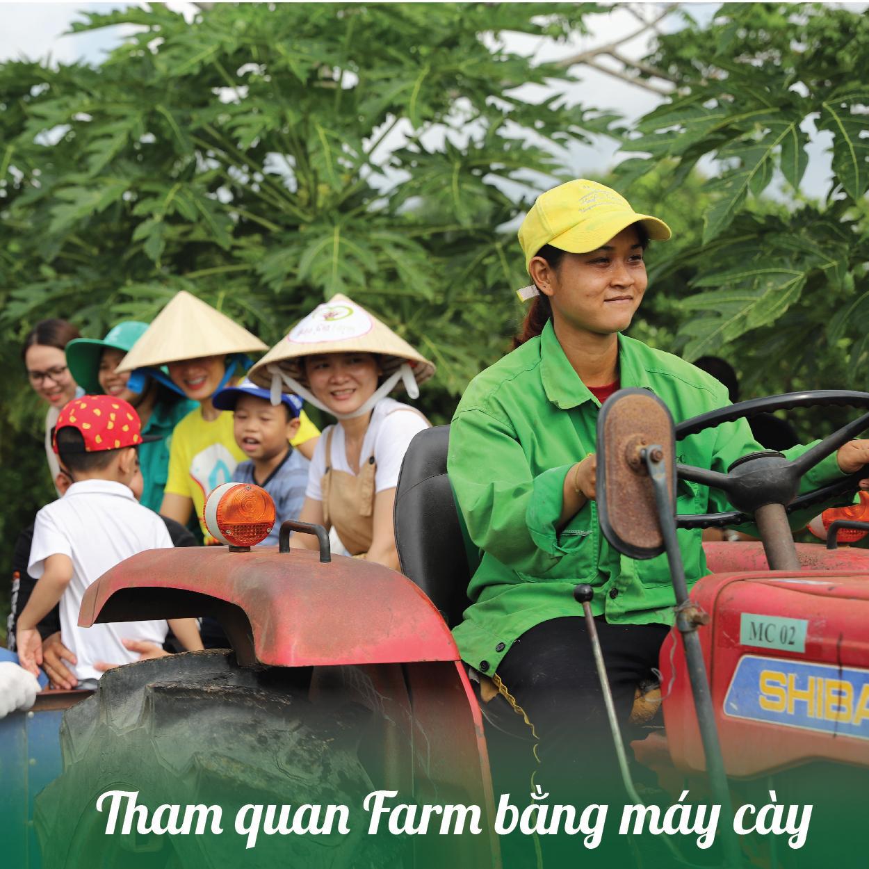 Dịch vụ tham quan Bảo Gia Farm bằng máy cày