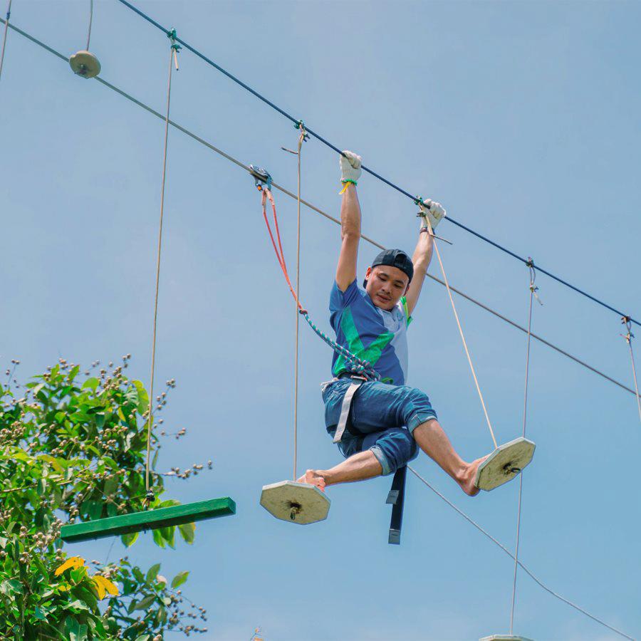 Giữ thăng bằng trên dây
