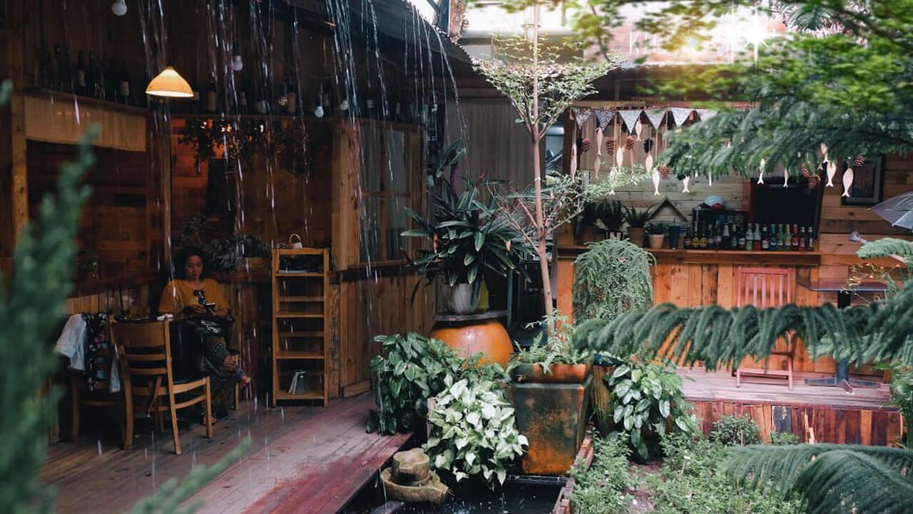Không gian chill ở tiệm cà phê Khoảnh Khắc Cần Thơ