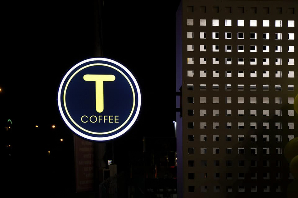 Bảng hiệu T Coffee Cần Thơ