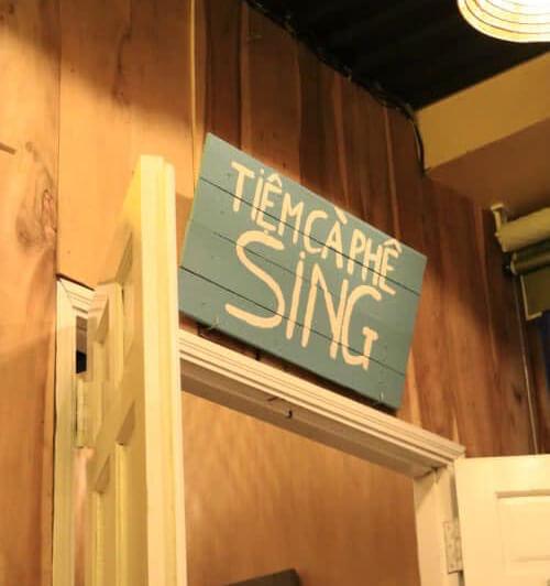 Bảng hiệu tiệm cà phê Sing Cần Thơ