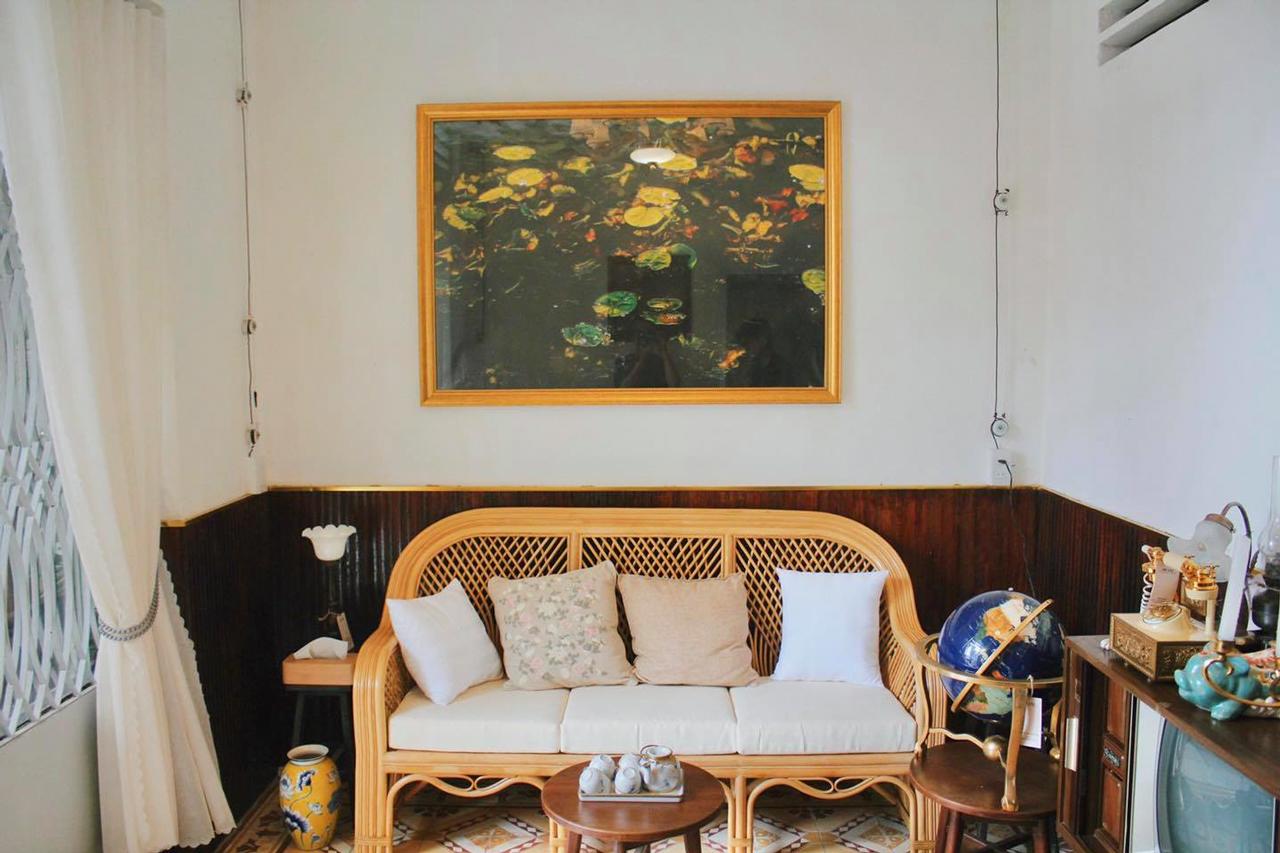 Ghế sofa cho khách ngồi