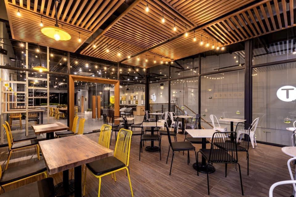 Không gian bên trong quán cà phê 3