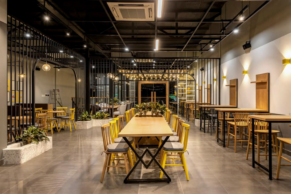 Không gian bên trong quán cà phê