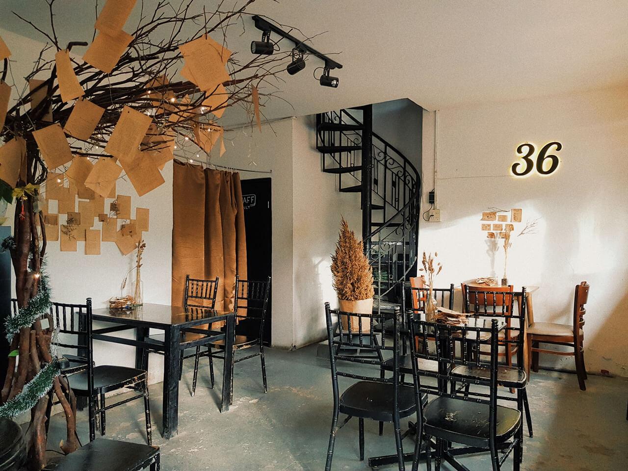 Không gian bên trong 36 Coffee Studio