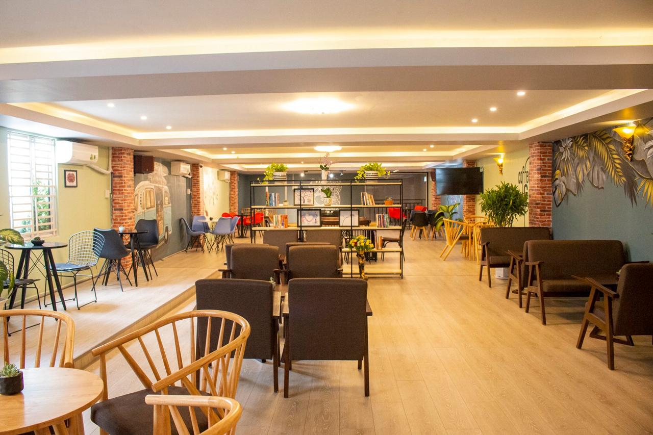 Không gian bên trong quán Gani Coffee House Cần Thơ