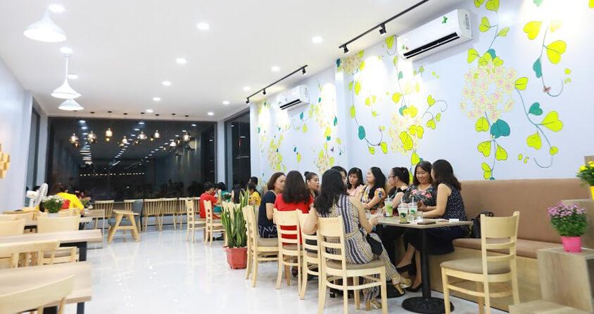 Không gian bên trong quán cà phê Hoya
