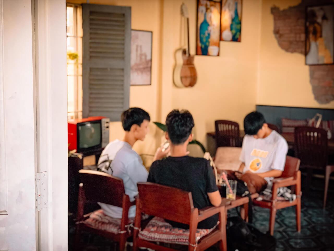 Không gian khá chill và thích hợp tụ họp bạn bè ở Sing Coffee Cần Thơ