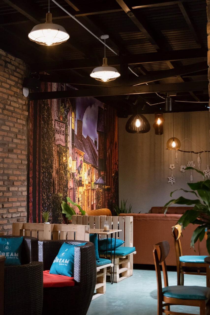 Không gian bên trong của quán cà phê Dream
