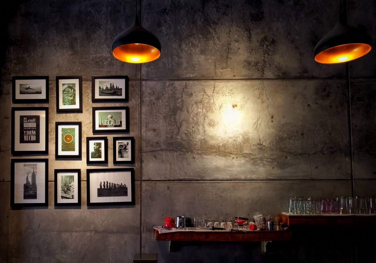 Quán Time Cafe Cần Thơ trang trí phong cách tối giản