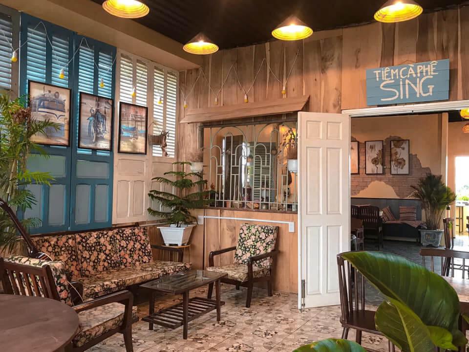 Tầng dưới tiệm cà phê Sing Cần Thơ