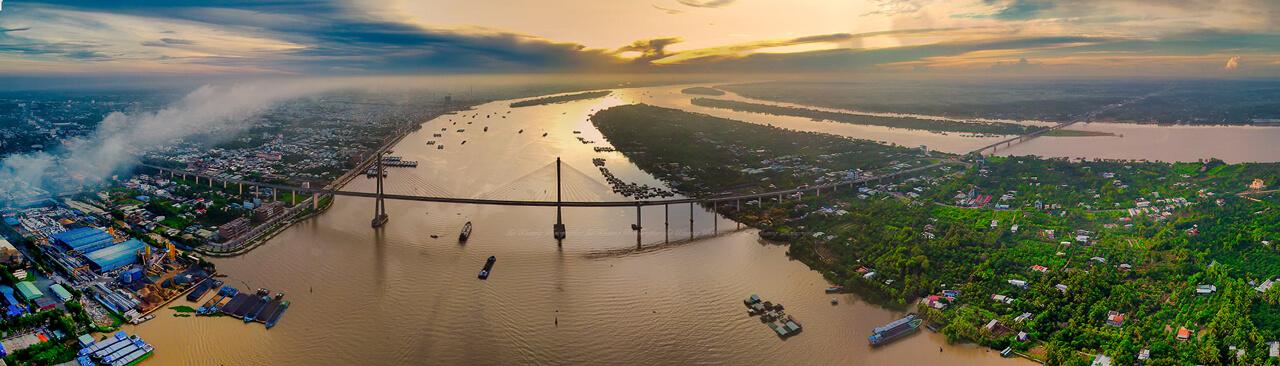 Cầu Rạch Miễu - Photo by Lê Khương