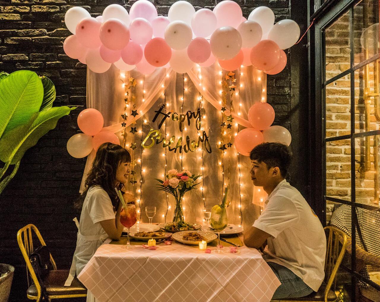 Trang trí concept sinh nhật dành cho cặp đôi ở Ma Famille Cafeteria