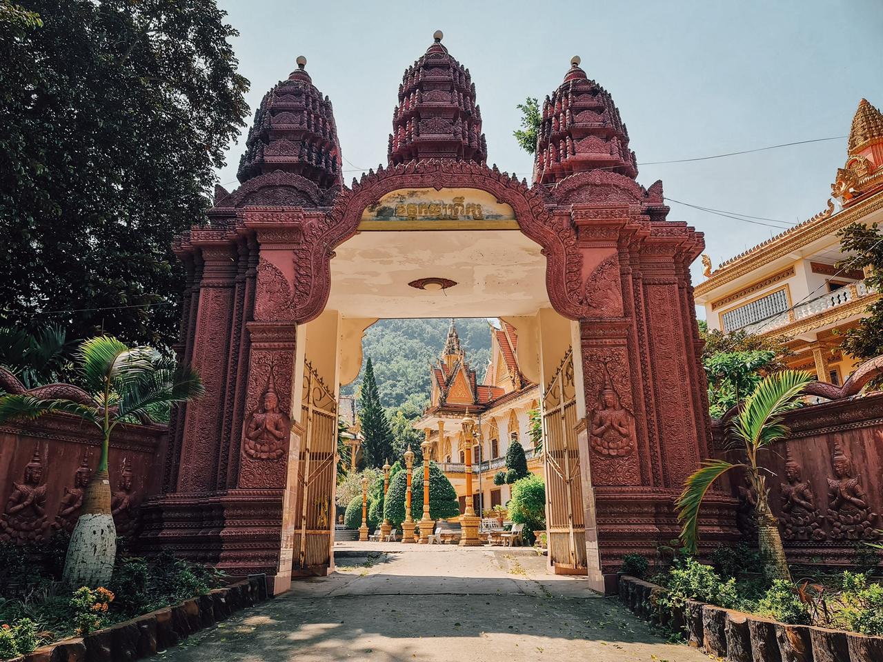 Cổng chùa Ba Thê Photo by Nguyễn Khải Trung