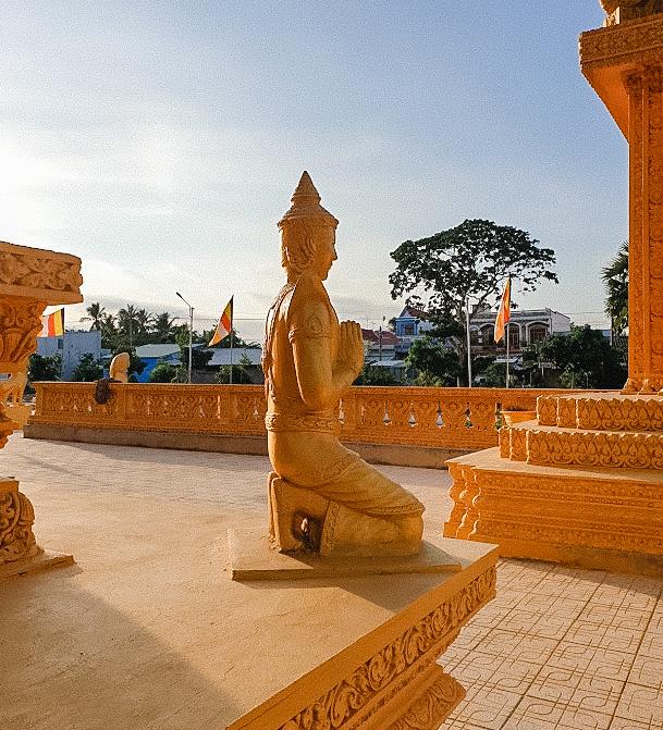Một bức tượng ở chùa
